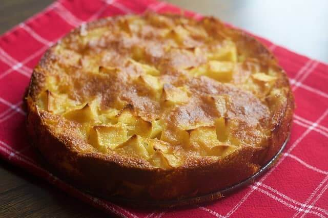 Рецепт сладкого пирога с яблоками