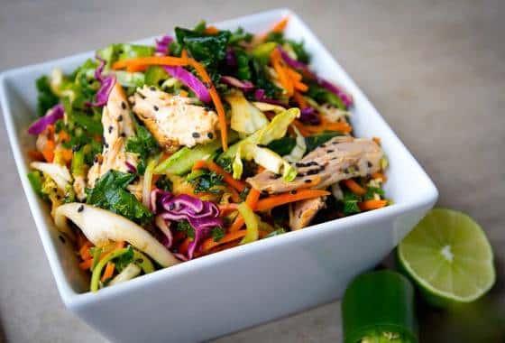 Салат с кунжутом и пекинской капустой