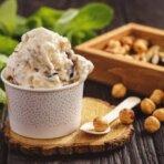 Простой рецепт мороженого с орехами