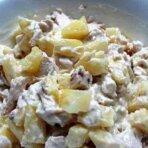 Салат с грибами и ананасом